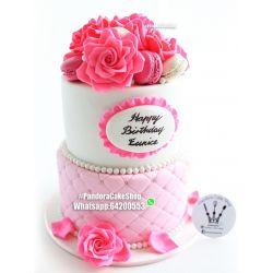 兩層玫瑰花蛋糕